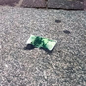Abgefallen-Geldscheine- Schablonen Street Art - Ostap 2015