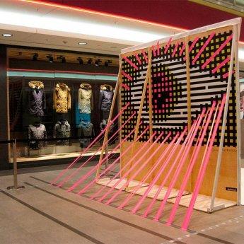 Bild 01-Auge- 3D-Klebeband-Installation-Live-Taping-Hamburg-2014
