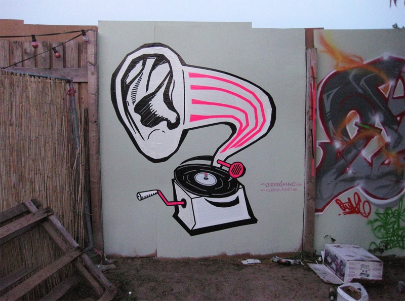 DJ Deaf-duct tape graffiti- Ostap for Graffiti Box 2012