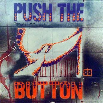 Push the button- Stencil Street art-Vorschaubild