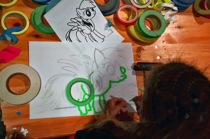 Tape-art-workshop-von-Selfmadecrew-2017-04-Nahaufnahme