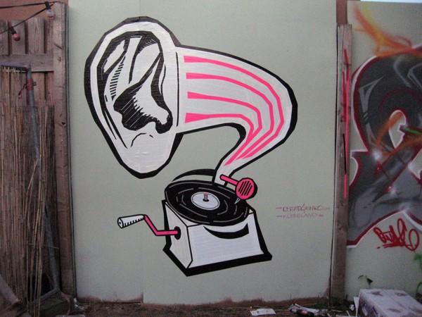 Tape-Art Graffiti DJ Taub