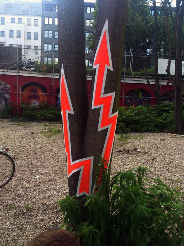 Tape-Art Graffiti Power