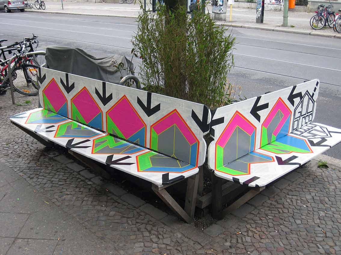 "Tape-Art ""Sitzbank"""