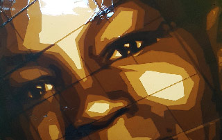 Das Biest- Porträt aus Paketklebeband auf Leuchtkasten-2015