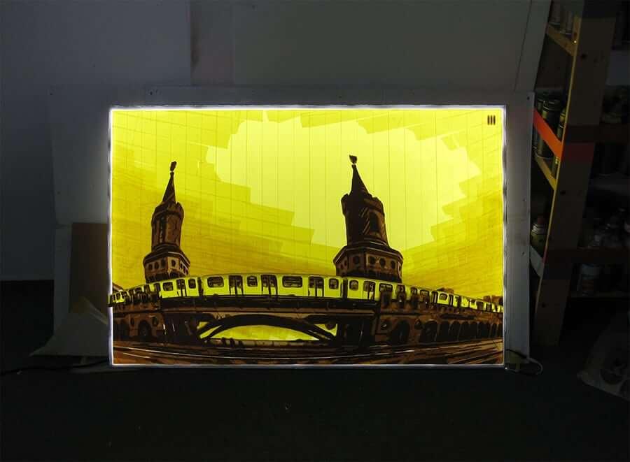 u1- oberbaumbruecke-berlin-Packband-Kunst-leuchtkasten-ostap-2015