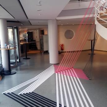 Bild 03- 3D Klebeband Kunstwerk von Selfmadecrew auf DGPS 2016 Verleihung Event in Hamburg