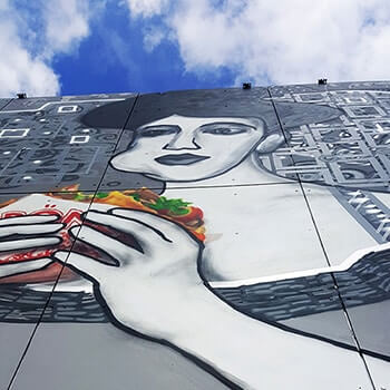 Lady in gold- Adele Bloch-Bauer-shawarma- street art mural- Selfmadecrew and Gustav Klimt- Berlin-Teufelsberg 2016