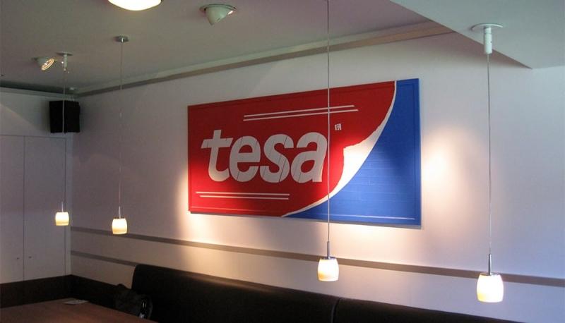 Bild 2- Tesa Logo aus Klebeband- Tape Art Auftrag- Ostap 2016