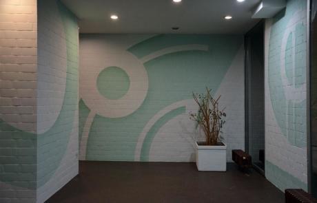 Abstrakte Wandgestaltung mit Sprühfarbe im Foyer-Huzur Street Art Bülowstrasse